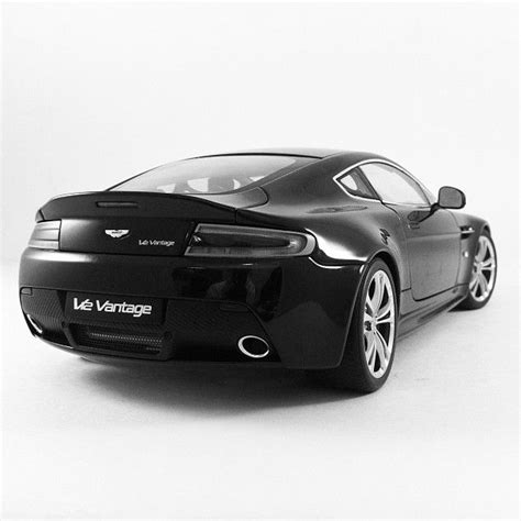 aston martin vantage  cool car amazing cars