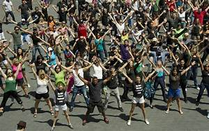 Largest simultaneous flash mob: ViSalus set world record ...