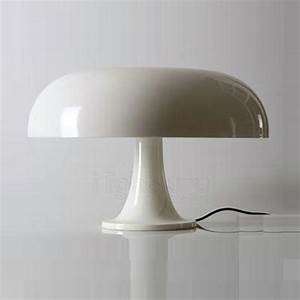 Lampe A Poser Design : 1000 id es sur le th me lampe poser design sur pinterest luminaire suspension design ~ Teatrodelosmanantiales.com Idées de Décoration
