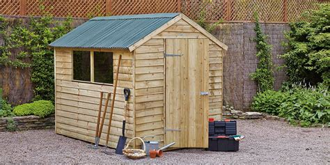 Diy Yard Shed by How To Build Erect A Shed Guide At Homebase Co Uk