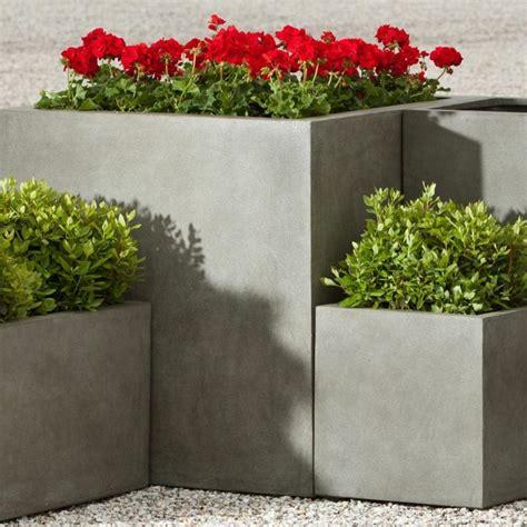 jardiniere beton  idees sympas pour  exterieur moderne