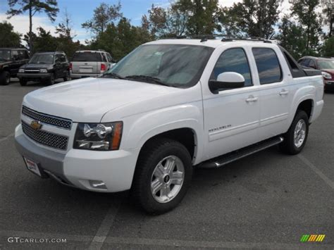 2012 Chevrolet Avalanche by Summit White 2012 Chevrolet Avalanche Lt 4x4 Exterior