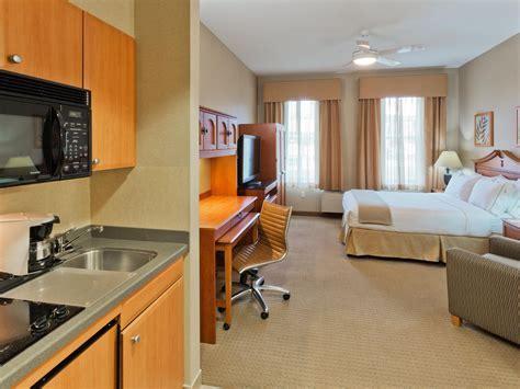 Rooms and Rates for IHG Army Hotels Rainier Inn & Rainier