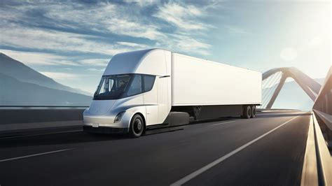 Tesla Posts New Video Of Semi Driving