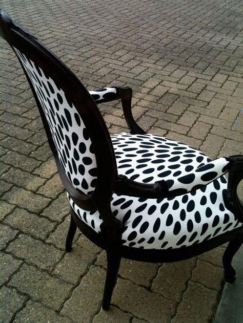 chaise zebre fauteuil recouvert avec tissus de gouttes fauteuils