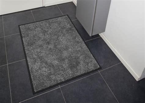 nettoyage d un tapis en location vente de tapis d accueil tournai tapis tournai
