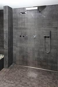 Offene Dusche Gemauert : die gro e offene dusche im wellnessbereich l dt nach der sauna zum erfrischen ein stadthaus ~ Markanthonyermac.com Haus und Dekorationen