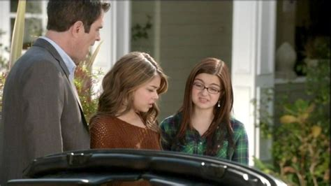 modern family episode 21 ariel winter and hyland photos photos modern family season 3 episode 21 zimbio