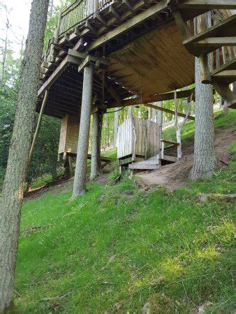 Livingroom Treehouses  Updated 2017 Prices & Cottage