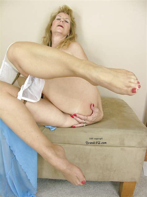 Mature Legs An Feet 11 Pics