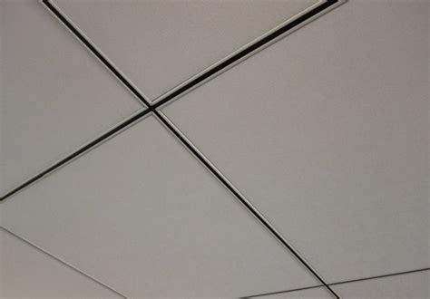 faux plafond en dalles 600 x 600 sur ossature apparente