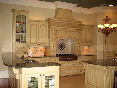 tuscan style kitchen cabinets ideas for decorating above kitchen cabinets 6407
