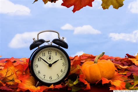 daylight saving fall savings change end november ends dst hour nov reminder sunday things sleep less surviving does apartment youngzine