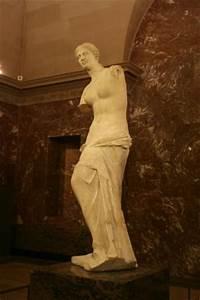 Venus de Milo - Picture of Musee du Louvre, Paris ...