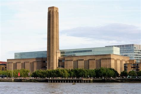 tate modern gallery in photo tate gallery of modern photos de londres et images 550x366 auteur yvonne