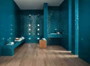 moderne badezimmer trkis bad turkis angenehm on moderne deko idee plus badezimmer 5 ein mix aus fliesen 00348657 rm das