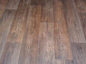Sheet vinyl flooring that looks like wood and wood look in for Vinyl floors that look like wood