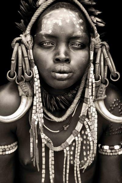 portrait photography inspiration mursi girl  mago