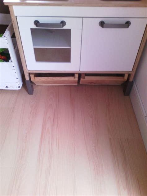 mini de cuisine création de tiroirs de rangement sous mini cuisine duktig