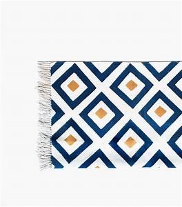 Tapis Salon Bleu Canard : tapis de sol ethnique bleu canard et jaune moutarde 120x180 cm ~ Melissatoandfro.com Idées de Décoration