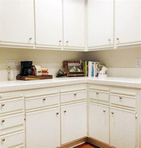 laminate kitchen cabinets makeover friends kitchen cabinets and white laminate on pinterest