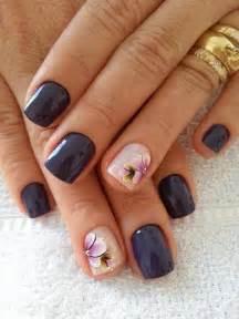 Nail artist on lady nails chic and natural art