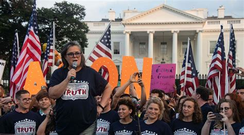white house protest rosie o donnell leads protest outside white house