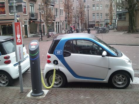 Why We Love Electric Cars (and You Should, Too!)