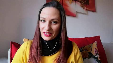 """Czytanie na Dywanie #18: Marta Dzwonkowska czyta """"Syrenę ..."""