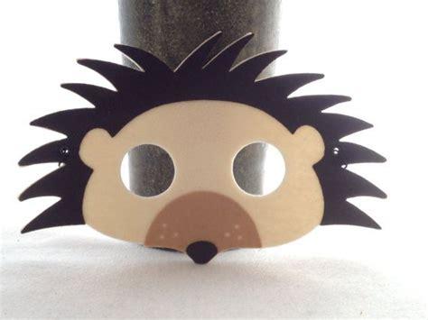 irre igel maske waldland kreatur filz tierschablone von