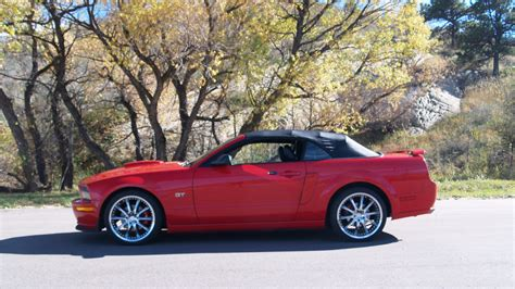 2005 Mustang Hp by 2005 Ford Mustang Gt Convertible 4 8 300 Hp 5 Speed