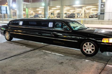 Limousine Rental Nyc by Rent A Limousine And Arrive In New York In Style