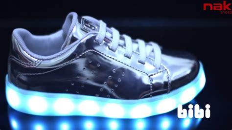 Το πιο Fun παιδικό Sneaker με Led φωτάκια που αναβοσβήνουν