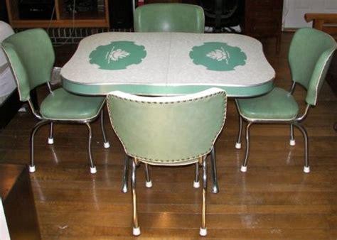vintage kitchen tables ideas  pinterest retro kitchen tables retro table