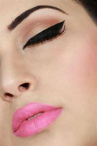 Cat Eye and Pink Matte Lips