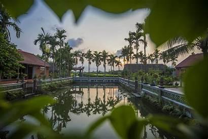 Duc Yen Village Tu Bai Bay Junk