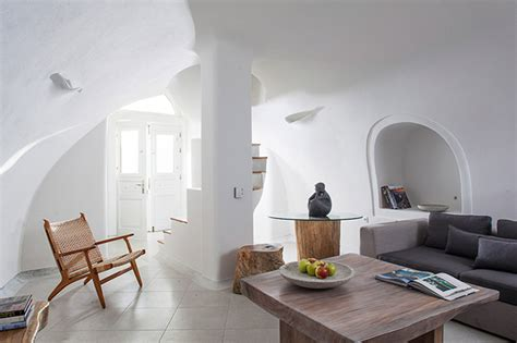 Crisp White Home Boasts Traditional Santorini Architecture