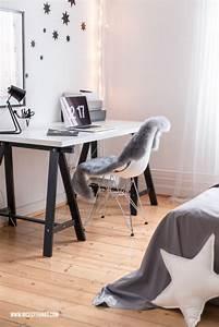 Schreibtisch Im Schlafzimmer : filzkugelteppich dip dye bettw sche und schlafzimmer roomtour nicest things ~ Eleganceandgraceweddings.com Haus und Dekorationen