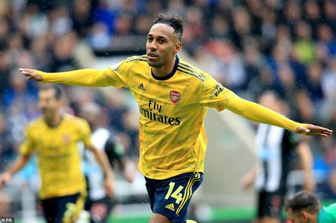 Pierre-Emerick Aubameyang Arsenal Celebrations
