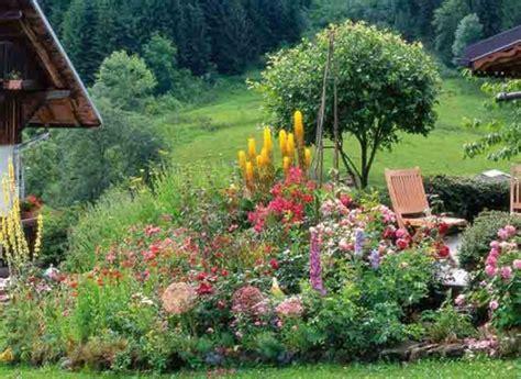 marchand de cuisine massifs fleuris et naturels pour jardin de montagne