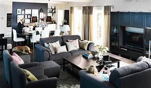 Black living room furniture brown striped carpet ikea for Ikea black gloss living room furniture