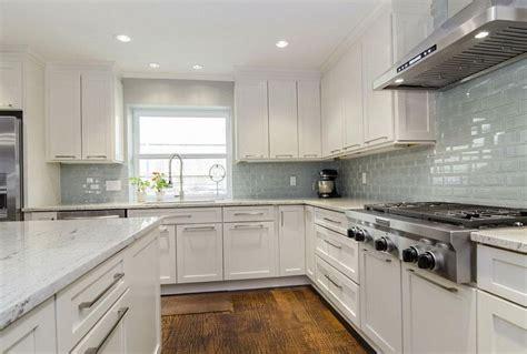 kitchen backsplashes with granite countertops granite countertops with backsplash pictures