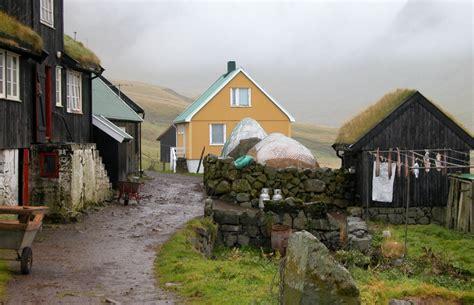 File:Village idyll in Gasadalur, Faroe Islands.jpg