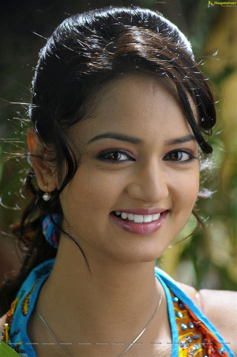 Lovely heroine shanvi photo gallery. Shanvi Ragalahari : Shanvi Srivastava Biography - Shanvi ...