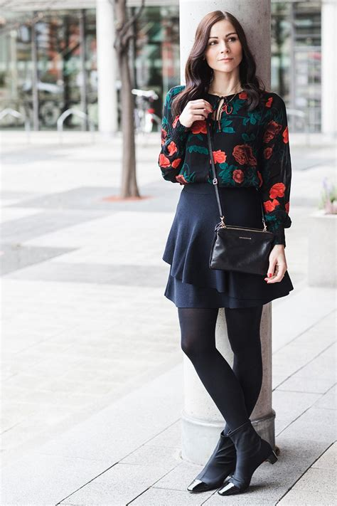 Winter Outfit mit Ganni Bluse Volant Rock und Sock Boots - Kleidermaedchen Fashion Beauty und ...