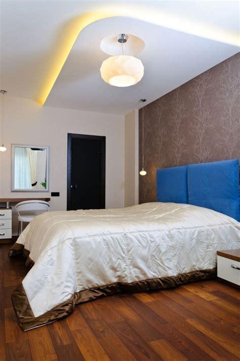 une chambre à la cagne vous cherchez des idées pour comment faire un faux plafond
