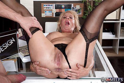 Busty Granny Phoenix Skye Giving Bj Before Taking Anal In