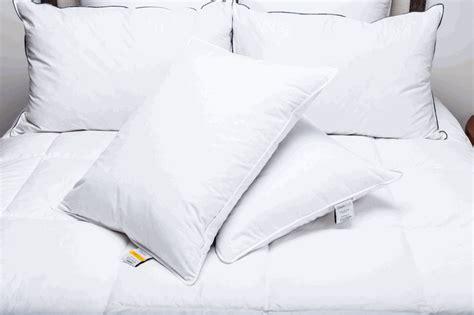 hton inn pillows pillows