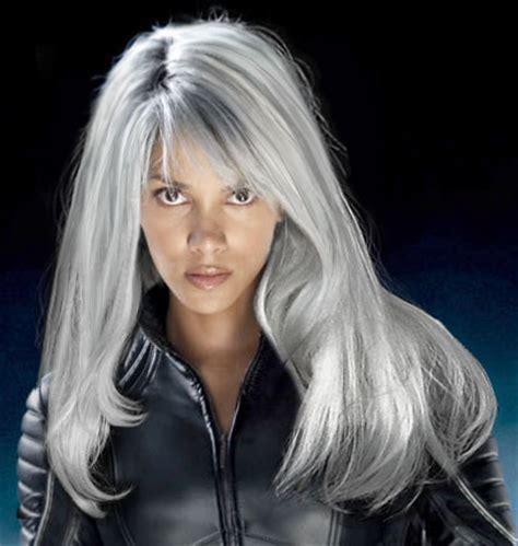 grijze haren: in de kijker: 10 zilveren beauties   ELLE.be
