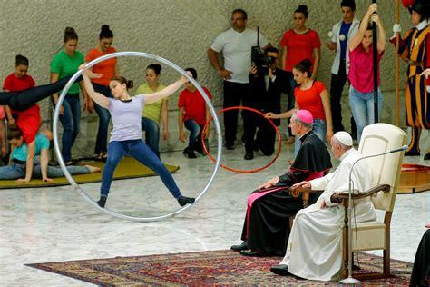 francois de salle pour le jubil 233 de la mis 233 ricorde place au cirque au vatican la croix